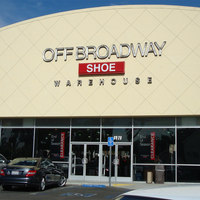 Photo taken at Off Broadway Shoe Warehouse by Off Broadway Shoe Warehouse on 8/12/2014