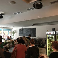 Photo prise au Holzapfel Cafe | Bar par Luk As F. le5/20/2017