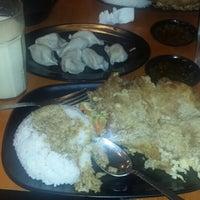 Снимок сделан в Tasty Dumplings пользователем Cris C. 8/9/2014