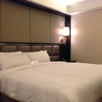 Photo taken at 御宿商旅(站前館) Royal Group Hotel by Omi on 11/4/2013