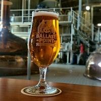 Photo prise au Ballast Point Brewing & Spirits par Gordon W. le10/23/2014