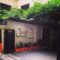Photo taken at Justbeds Hotel by Piyapong T. on 8/1/2014