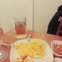 Photo prise au Altin Fici Pub Ocakbasi Restaurant par Sefa B. le3/9/2016