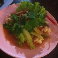 Photo taken at จุ่มแซบยโส เมืองเอก by MayMe J. on 7/12/2014