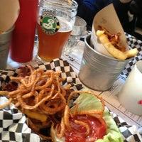 Foto scattata a Tizzy's NY Bar & Grill da Davide G. il 12/21/2012