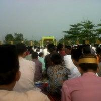 Photo taken at Mesjid Nurul Islam (KPR1 Perawang, Riau) by ferdian t. on 10/26/2012