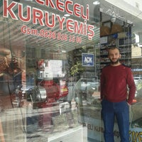 Photo taken at Mekeceli Kuruyemis by Öz Türk H. on 10/25/2015