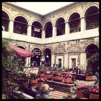 Photo prise au Taşhan Historical Bazaar par Nail B. le5/11/2013