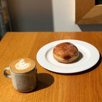 Das Foto wurde bei General Porpoise Coffee & Doughnuts von Ahmet🇺🇸🦅🥓 am 5/2/2018 aufgenommen