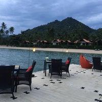 Photo taken at Le Méridien Koh Samui Resort & Spa @ Pool Bar by Anni L. on 8/1/2015