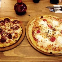 Photo taken at Pizza Il Forno by Neslihan O. on 6/22/2015