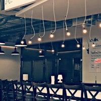Das Foto wurde bei The Burger Bar von Gzm M. am 2/8/2016 aufgenommen