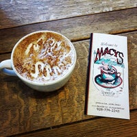 Снимок сделан в Macy's European Coffeehouse & Bakery пользователем Edd M. 2/19/2015