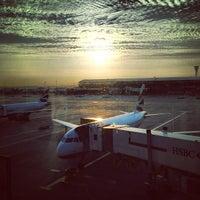 7/6/2013 tarihinde Lewis G.ziyaretçi tarafından Londra Heathrow Havalimanı (LHR)'de çekilen fotoğraf