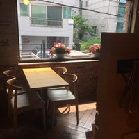 Photo taken at CZ(씨즈) Bakery Cafe by Kenny Y. on 7/20/2016