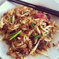 Photo taken at Siam Road Charcoal Char Koay Teow by Leonard L. on 4/3/2013