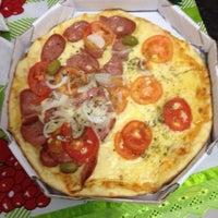 Foto tirada no(a) Mister Pizza por Joselio N. em 7/8/2014