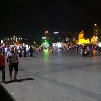 7/24/2015 tarihinde Mert C.ziyaretçi tarafından Aksaray Meydanı'de çekilen fotoğraf