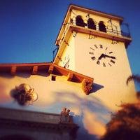 Foto tomada en Santa Barbara Courthouse por Kenneth el 8/28/2012