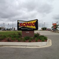 Photo taken at SONIC Drive In by Lenny G. on 5/31/2012
