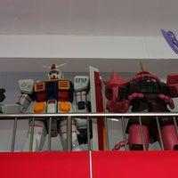 Photo taken at King Kong by Peerayot K. on 5/5/2012