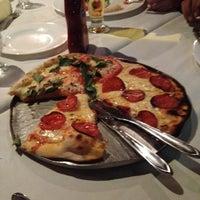 Foto tirada no(a) Pizzaria Donna Margherita por José J. em 6/10/2012