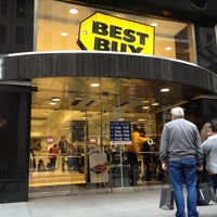 photo taken at best buy by mitja r on