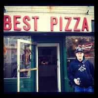 Das Foto wurde bei Best Pizza von Jeffrey O. am 4/19/2012 aufgenommen
