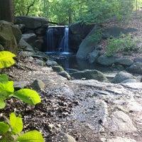 Das Foto wurde bei Central Park - North Woods von Joel A. am 5/10/2012 aufgenommen