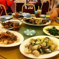 Photo taken at Restoran Masakan Sedap by Aaron L. on 7/16/2012