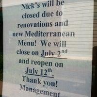 Das Foto wurde bei Nick's Taverna von Stephanie am 7/6/2012 aufgenommen