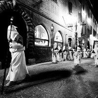 Photo taken at Venerdì Santo - Mostra Fotografica - Scuola di fotografia Santa Maria del Suffragio Fano by Donatello T. on 5/22/2012