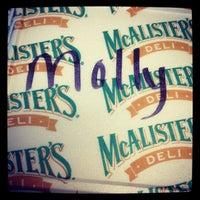 Foto tirada no(a) McAlister's Deli por Molly W. em 8/29/2012