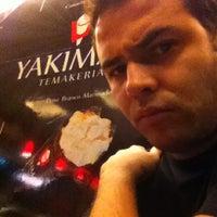 Photo taken at Yakimaki Temakeria by Gabriel N. on 9/2/2012