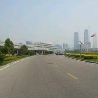 Photo taken at Xiamen Int'l Conf. & Exhi. Center 厦门国际会展中心 (XICEC) by Michael M. on 3/29/2012