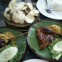 Photo taken at Ayam Bakar Wong Solo by Abdul Razak S. on 9/10/2012