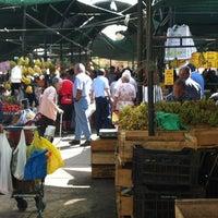 Foto tomada en Feria Libre Emilia Tellez por Carlos S. el 3/17/2012