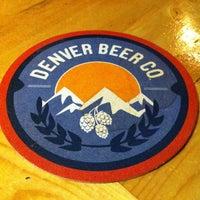 3/26/2012 tarihinde Liz T.ziyaretçi tarafından Denver Beer Co.'de çekilen fotoğraf