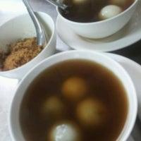 Photo taken at ชูจิต เต้าฮวย by PIRI W. on 6/1/2012