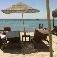 Das Foto wurde bei Alaçatı Beach Resort von Serhat T. am 8/25/2012 aufgenommen