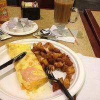 Photo taken at Gordon Biersch Bar & Restaurant by Katherina M. on 6/19/2012