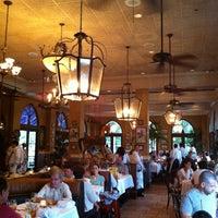 Photo prise au Columbia Restaurant par Karlynn H. le8/11/2012