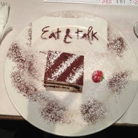รูปภาพถ่ายที่ Eat & Talk โดย Nastia E. เมื่อ 8/24/2012
