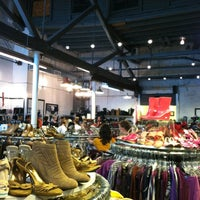 Photo taken at Beacon's Closet by Jayna G. on 7/31/2012