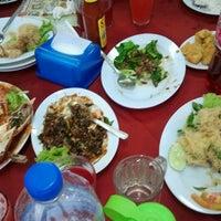 Photo taken at Restoran Cina Muslim Mohd Chan Abdullah by Mohd R. on 8/11/2012