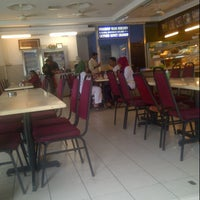 Photo taken at Restoran Seri Kg Pandan by Remy B. on 8/22/2012