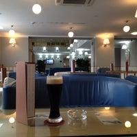 Снимок сделан в Lobby Bar Tulip Inn Rosa Khutor пользователем Marsel I. 4/17/2012