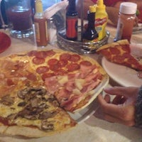 Photo taken at NIZZA Pizza & Beer by Israel on 7/15/2012