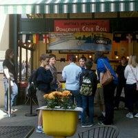 Foto tirada no(a) Pike Place Chowder por Nicholas S. em 6/20/2012