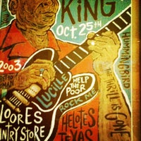 Photo taken at MOJO Bar B Que, A Southern Blues Kitchen by Steve W. on 7/23/2012